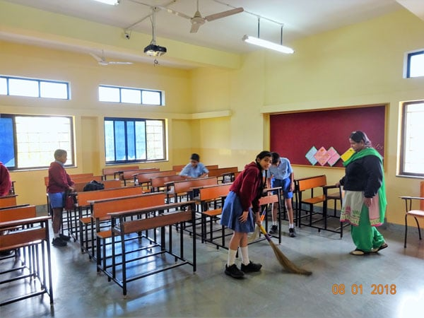 class-room-cleaning